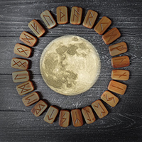руны фаз луны