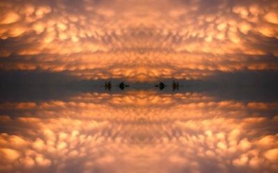 Стихийное пространство ВОЗДУХ—ВОДА К ОГНЮ - постоянного воздействия Воздуха на Воду через Огонь, инструмент-трансформатор, изменить форму