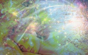 Что делать если сущность пришла? Сущность во сне может олицетворять вашего защитника, обережника, вашу силу и поддержку, вашего первопредка